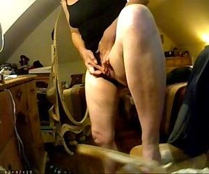 Have a look of huge clit of my mom. Hidden cam - 1 min 35 sec