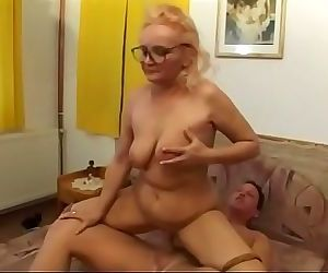 Mature slut Ernone enjoys hardcore fucking and the a nice facial on her glasses 22 min